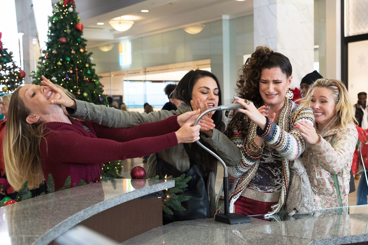 Bad Moms Christmas Kids.The Weekly A Bad Mom S Christmas Canberra Film Blog